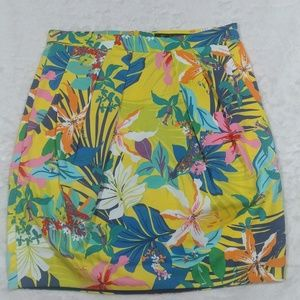 ZaraTrafaluc Collection Floral Skirt size xs